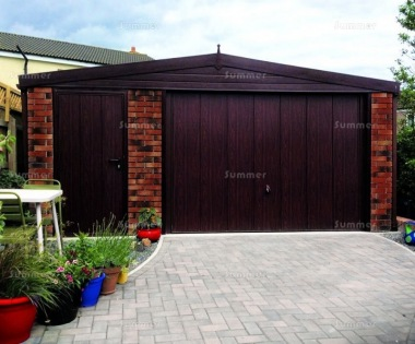 Spar Apex Concrete Garage 615 - Woodgrain, Brick Posts