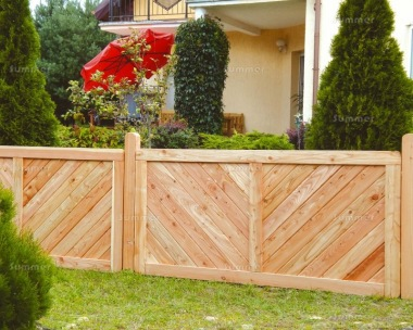 Fence Panel 526 - Larch, Planed, 18mm T and G Boards, 4x2 Frame