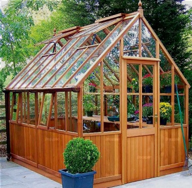 Cedar Victorian Greenhouse 630 - Part Boarded, Hinged Door